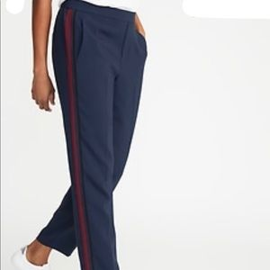 Old Navy pull on track pant, side stripe size 12